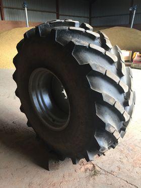 23.1R26 Rear Wheels -